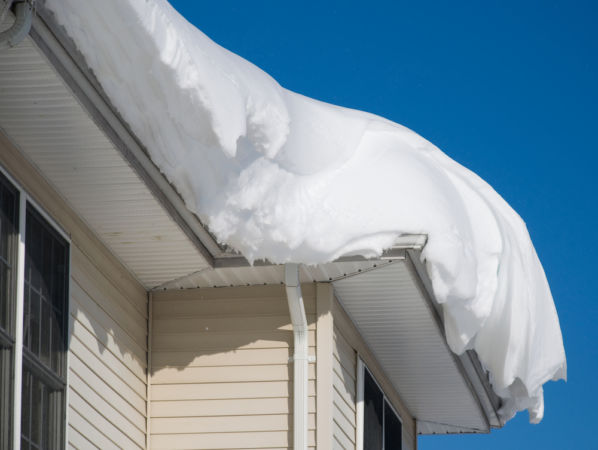 How to Prevent Your Roof From Collapsing Due to Heavy Snow