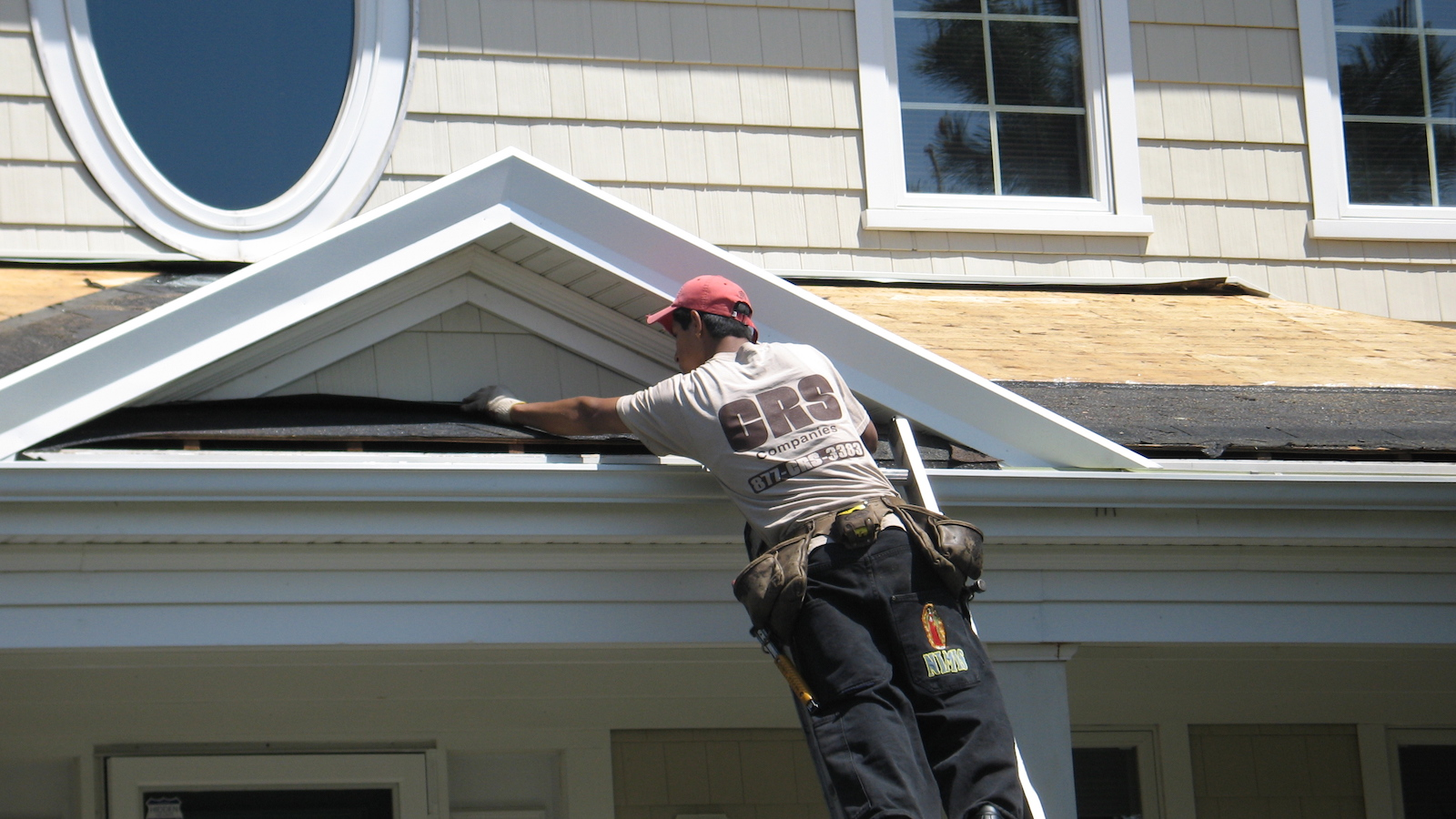 3 Mistakes To Avoid When Getting A Residential Roof Repair