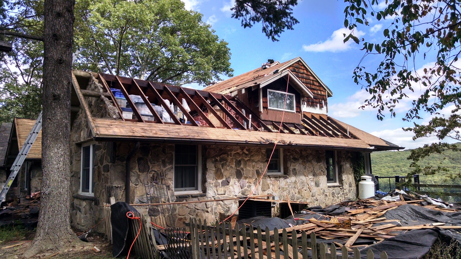 5 Things You Should Consider When Replacing a Roof